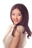 Studiomanier van glimlachende Aziatische vrouw wordt geschoten die stock foto's