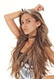 Studioportrait der jungen Dame mit den langen Haaren Stockbild