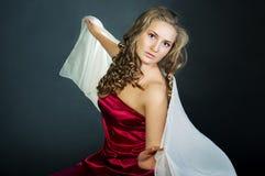 Studioportrait der jungen Frau Lizenzfreie Stockbilder