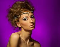 Studioportrait der schönen Frau Stockbild