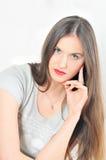 Studioportrait des schönen Brunette   Lizenzfreies Stockbild