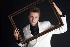 Studioportrait eines stattlichen Mannes Stockfotografie