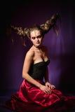 Studioportret van vrouw in Halloween-make-up, op zwarte achtergrond royalty-vrije stock afbeelding