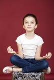 Studioporträt eines recht kleinen Mädchens Lizenzfreie Stockbilder