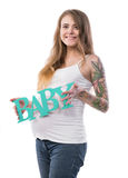 Studiostående av den härliga unga gravida kvinnan Royaltyfri Bild