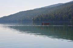 Studnie siwieją prowincjonału parka niektóre ludzie na wodzie w Kanada Zdjęcie Stock