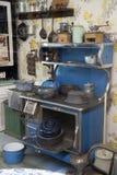 Stufa d'annata del fuoco di legno della cucina Fotografia Stock