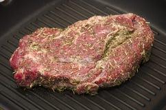 Stufa della leccarda della bistecca della carne di fila Immagine Stock
