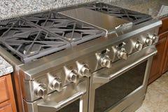 Stufa e forno dell'intervallo di gas della casa dell'acciaio inossidabile Fotografia Stock