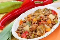 Stufato della lenticchia con la verdura Immagine Stock