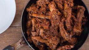 Stufato delle costole di carne di maiale su vecchio legno Immagini Stock Libere da Diritti
