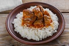 Stufato di manzo con riso bianco fotografie stock