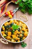 Stufato di verdure piccante con curry e spinaci Fotografia Stock Libera da Diritti