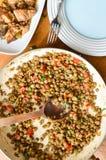 Stufato fresco della lenticchia con i weenies affettati Fotografie Stock Libere da Diritti