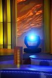 Stufe beleuchtet - Studio für Produktion Fernseherscheinen lizenzfreies stockbild
