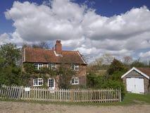 Stuga på floden Alde - Snape Maltings - Suffolk Royaltyfri Fotografi