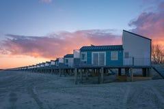 Stuga på stranden Arkivbild