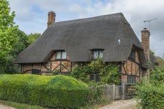 stugan thatched traditionellt Royaltyfria Foton