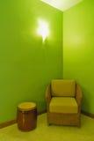 Stuhl in der Ecke Lizenzfreies Stockbild