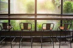 Stuhl in der Kaffeestube stockfoto