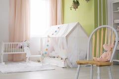 Stuhl in der Kindertagesstätte lizenzfreies stockfoto