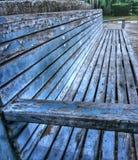 Stuhl des blauen Grüns im Garten Stockfotos