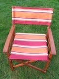 Stuhl im Garten lizenzfreies stockfoto