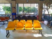 Stuhl im Krankenhaus Lizenzfreie Stockfotos