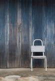Stuhl vor dem Haus Lizenzfreies Stockbild