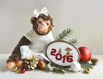 Stuk speelgoed aap met borduurwerksteek Stock Afbeelding