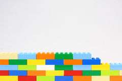 Stuk speelgoed Bakstenen muur Royalty-vrije Stock Fotografie