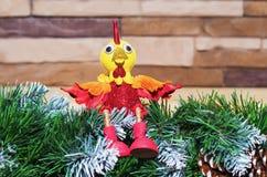 Stuk speelgoed haan het symbool van het nieuwe jaar 2017 Royalty-vrije Stock Foto