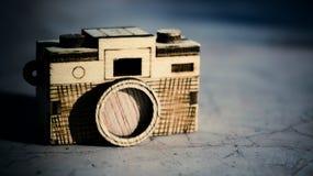 Stuk speelgoed houten camera Royalty-vrije Stock Foto
