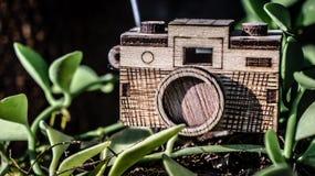 Stuk speelgoed houten camera Stock Foto