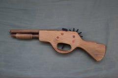 Stuk speelgoed houten kanon Royalty-vrije Stock Foto's