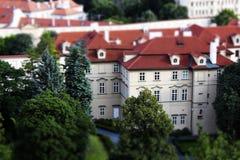 Stuk speelgoed huizen, Rode daken, Praag, Tsjechische Republiek royalty-vrije stock afbeelding