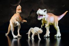 Stuk speelgoed modellen van dinosaurussen royalty-vrije stock foto