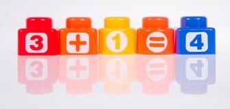 Stuk speelgoed. Plastic stuk speelgoed blokken op de achtergrond Royalty-vrije Stock Fotografie