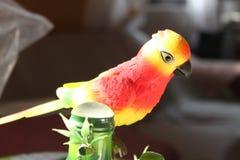 Stuk speelgoed vogel verscheidene kleuren royalty-vrije stock afbeelding