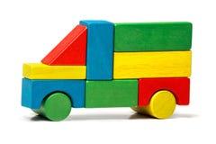 Stuk speelgoed vrachtwagen, het veelkleurige vervoer van auto houten blokken Royalty-vrije Stock Foto