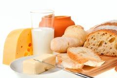 Stuk van boter, brood en een mes Royalty-vrije Stock Afbeeldingen