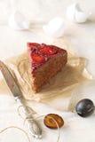 Stuk van Bovenkant - onderaan Plum Cake Stock Fotografie