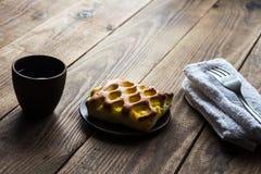 Stuk van cake met coffe royalty-vrije stock afbeelding