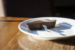 Stuk van chocoladecake royalty-vrije stock fotografie