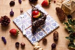 Stuk van de eigengemaakte cake van de Kerstmischocolade Royalty-vrije Stock Foto