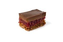 Stuk van een donkere chocoladecake met zure kers Royalty-vrije Stock Afbeeldingen