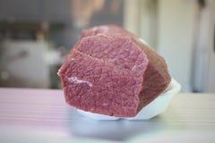Stuk van het vlees van het runderhaasrundvlees stock foto's