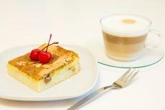 Stuk van pastei en koffie Stock Afbeeldingen