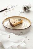 Stuk van Witte Chocolade Rosemary Tart Stock Foto