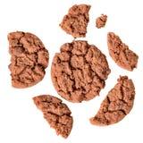 Stukken kruimelige koekjes met graangewassen en chocolade hoogste mening stock fotografie